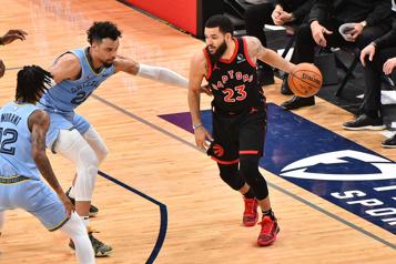 Les Raptors renversent les Grizzlies128-113 à Memphis)