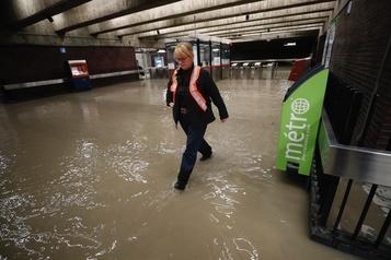 Une fuite d'eau paralyse la ligne orange: reprise prévue vers midi