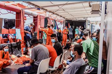 État d'urgence sur le navire OceanViking comptant 180migrants à bord)