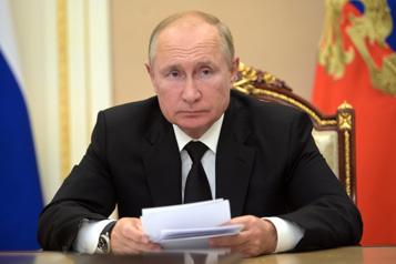 Cas contact COVID-19, Poutine s'isole et invoque Spoutnik V)