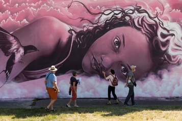 Les fresques de Street Art City réveillent la campagne française)