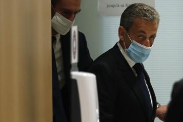 Sarkozy condamné Le président du tribunal appelle «au respect de l'institution judiciaire»)