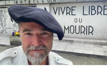 Portrait de Macron décroché dans une mairie: le gilet jaune jugé en octobre)