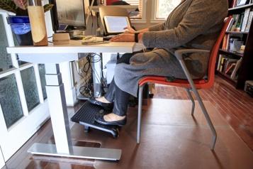 La pandémie brouille la frontière entre travail et vie privée)
