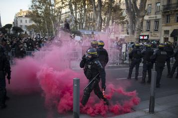 Manifestation contre «la sécurité globale» Des heurts entre manifestants et policiers éclatent)