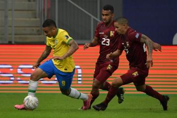Copa América Touché par une éclosion de COVID-19 le Venezuela s'incline devant le Brésil)