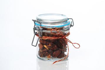 Noël en cadeau: noix légèrement épicées