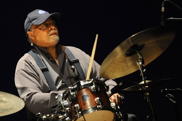 Jimmy Cobb, batteur de Kind of Blue, est mort)
