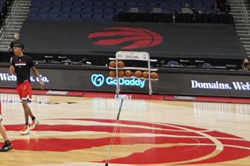 COVID-19 Un autre match des Raptors est reporté)