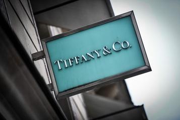 LVMH propose plus d'un milliard de dollars supplémentaires pour acquérir Tiffany