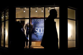 États-Unis La confiance des consommateurs baisse un peu en janvier)