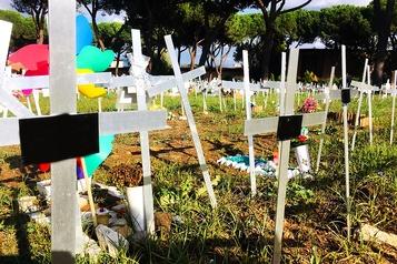 Un cimetière de f?tus avortés choque l'Italie)