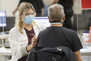 Travailleurs de la santé Refuser le vaccin est irresponsable! )