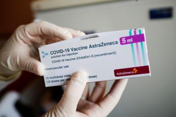 COVID-19 en Ontario Le vaccin AstraZeneca sera administré aux 60-64ans)