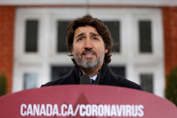 Retard dans la livraison des vaccins  Les Canadiens vaccinés d'ici septembre quand même, dit Trudeau)