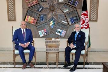 Le négociateur américain rencontre le président afghan à Kaboul)