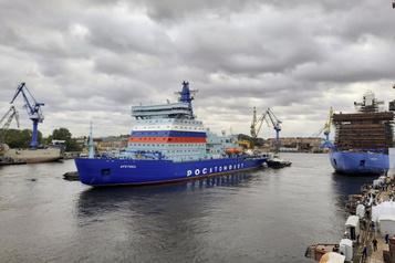 Derniers tests pour le fleuron atomique de la flotte arctique russe)