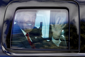Discret comme jamais, Donald Trump reste très influent)