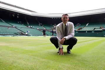 Pour le jardinier de Wimbledon, l'herbe sera plus verte en 2021)