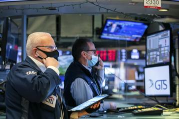 Bourses nord-américaines Le NASDAQ et le S&P500 terminent à des records, le S&P/TSX en hausse)