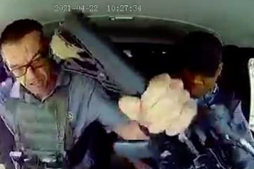 Afrique du Sud Sous une pluie de balles, il empêche des voleurs de braquer un camion blindé)