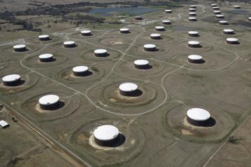 Le pétrole poursuit sa hausse après le plongeon des stocks américains de brut)