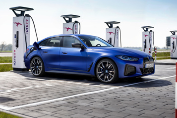 BMW L'i4 a la Tesla Model3 dans sa ligne de mire)