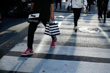La confiance des consommateurs américains s'améliore encore
