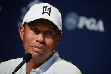 Accident de voiture Tiger Woods transféré dans un hôpital de LosAngeles)