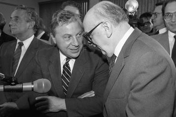 L'ancien conseiller Yvon Lamarre succombe à la COVID-19)