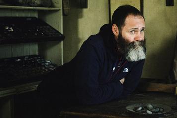 Ammonite Francis Lee: creuser l'histoire)