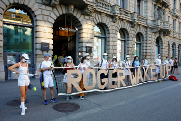 Suisse  Nouveau revers en cour pour des militants climatiques déguisés en Federer)