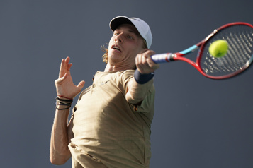Tournoi de Rome Denis Shapovalov avance, Serena Williams tombe)