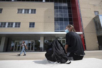 Élèves étrangers au cégep Les élèves attendus bloqués par Immigration Canada)