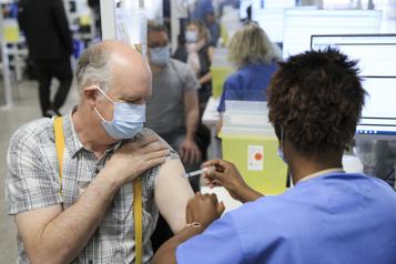 Vaccination Deux records battus au Québec jeudi)