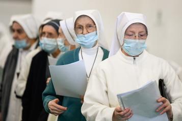 Le bilan de la pandémie dans le monde: plus de 2531000 morts)