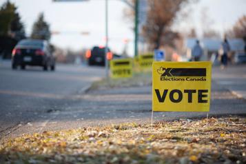 Scrutin en temps de pandémie Élections Canada n'empêchera pas un électeur sans masque de voter)