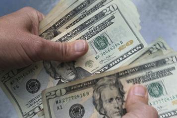 Bond de 10% des revenus des ménages américains en janvier)