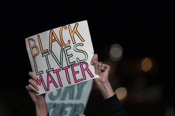 Inégalités raciales Plus de 16000milliards de dollars perdus en 20ans aux États-Unis)