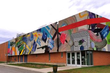 Un film sur l'œuvre murale rendant hommage à Marcelle Ferron à Outremont)