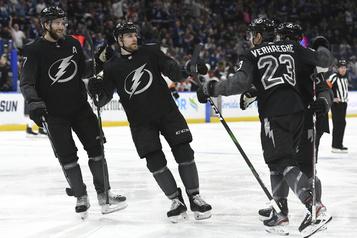 Le Lightning signe un 11e gain d'affilée à domicile