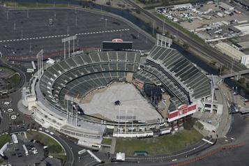 Les Athletics d'Oakland autorisés à chercher un nouveau domicile)