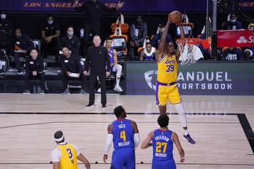 Les Lakers défont les Nuggets 126-114)
