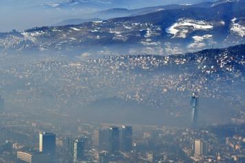 Les Balkans étouffent sous une épaisse brume toxique