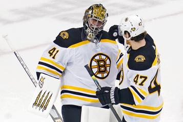 Les Bruins prennent la mesure des Hurricanes 3-1)