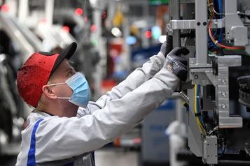 Volkswagen rappelle tous ses employés dans ses usines allemandes)