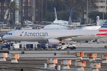Licenciements chez les transporteurs aériens américains)