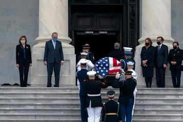 Ruth Bader Ginsburg inhumée dans l'intimité près de Washington)