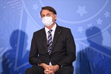 Facebook dénonce une décision «extrémiste» sur le blocage de partisans de Bolsonaro)