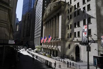 Wall Street sans enthousiasme sur un plan de soutien de l'économie)